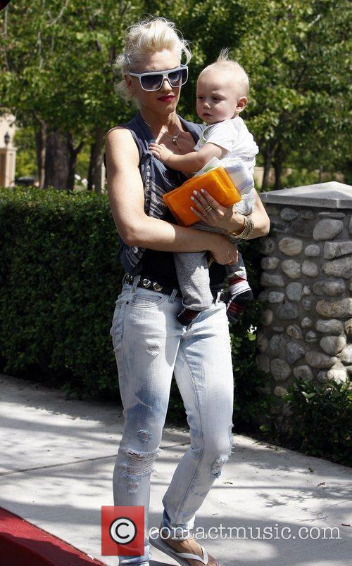 Gwen Stefani, Her Son Zuma Go Shopping At Bristol Farms Then Stop By The Park To Change Zuma's Diaper. It Was Zuma's First Birthday and They Celebrated With A Party At Their Home 4