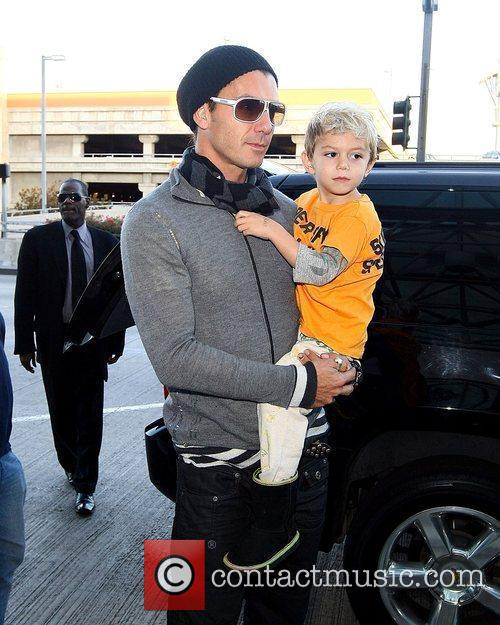 Gavin Rossdale and Kingston Rossdale at LAX airport,...