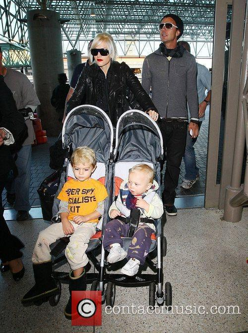Gwen Stefani pushes Kingston Rossdale and Zuma Rossdale...