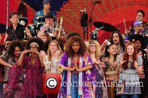 the cast of the broadway musical 'hair' 5316543