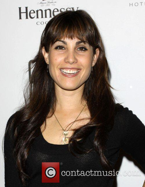 Carly Pope 3