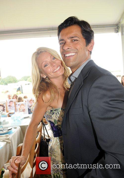 Kelly Ripa and Mark Consuelos 5
