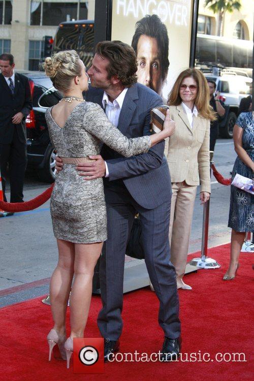 Kristen Bell and Bradley Cooper 1