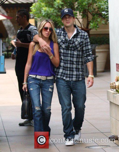 Haylie Duff and Boyfriend Nick Zano Shopping In Hollywood 3