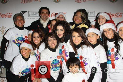 Gilles Marini and Volunteers The 2009 Hollywood Christmas...