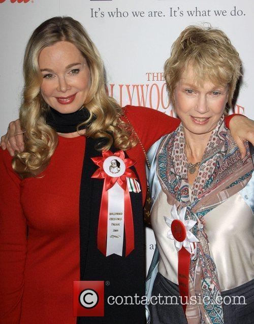 Jennifer Gareis and her Mother The 2009 Hollywood...