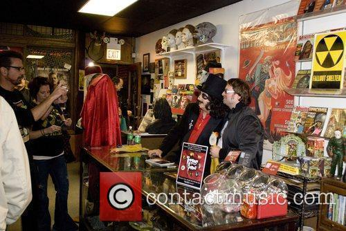 The signing in the shop Horrorbles