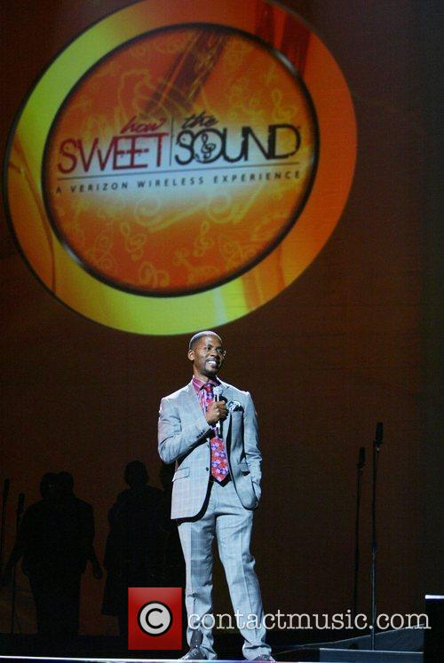 Host Donald Lawrence How Sweet the Sound Verizon...