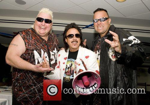 Hulk Hogan and The Legends of Wrestling 'Fan...