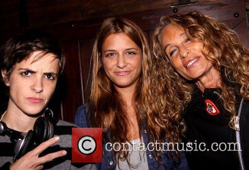 Samantha Ronson, Charlotte Ronson and Ann Dexter Jones...