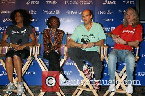 Sarah Jones, Two-time Nyc Marathon Winner Tegla Loroupe, Anthony Edwards and Shoe4africa Founder Toby Tanser 2
