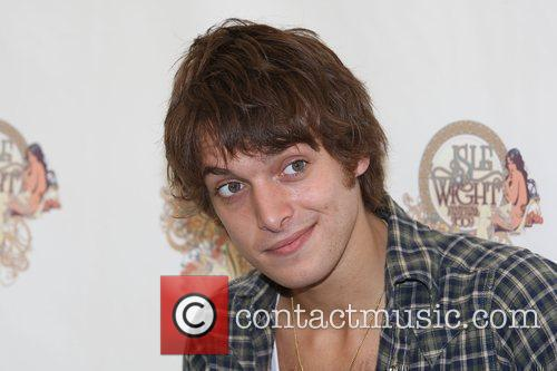 Paolo Nutini backstage Isle of Wight Music Festival...