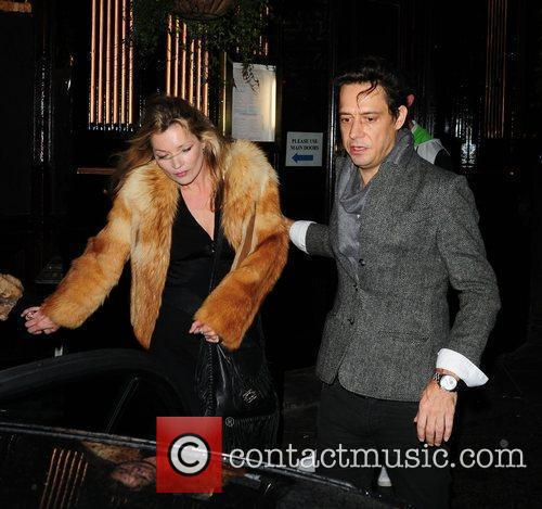 Kate Moss and Jamie Hince Leaving J Sheekey Restaurant 9