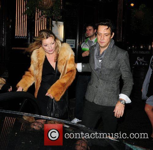 Kate Moss and Jamie Hince Leaving J Sheekey Restaurant 5