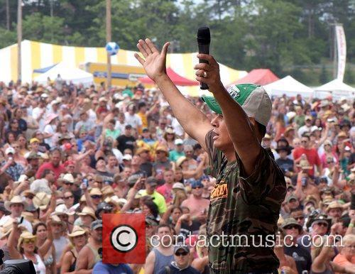 Neal McCoy Jamboree in the Hills 2009 -...