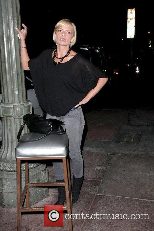 Jaime Pressly upset with the valets outside of...