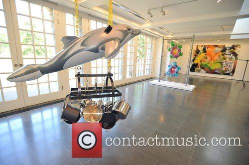 Dolphin (2002) Jeff Koons: Popeye Series - press...