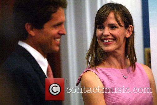 Artist Ambassador and Jennifer Garner 9
