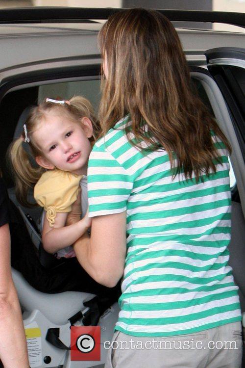 Jennifer Garner  drops off her daughter, Violet...