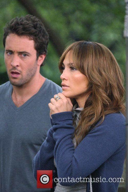 Jennifer Lopez and Alex O'loughlin 11
