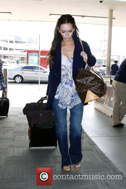 Jennifer Love Hewitt arriving at Burbank Airport to...