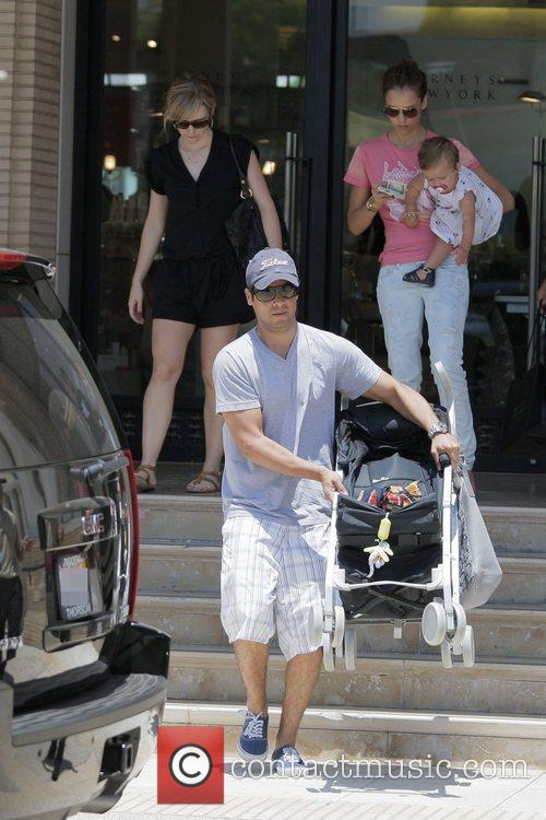 Jessica Alba, Cash Warren, Their Daughter and Honor Marie Warren 8