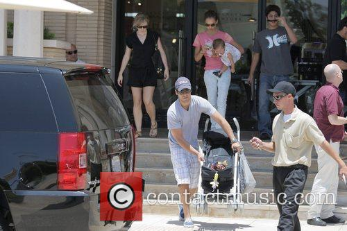 Jessica Alba, Cash Warren, their daughter and Honor Marie Warren 2