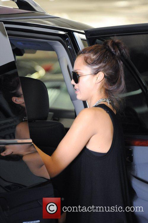 Jessica Alba takes her daughter shopping for miniature...