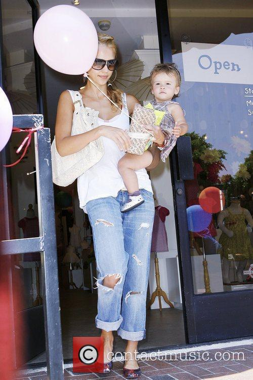 Jessica Alba and Her Daughter Honor Marie Warren 9