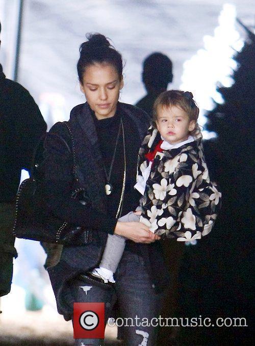 Jessica Alba and her family buy a Christmas...