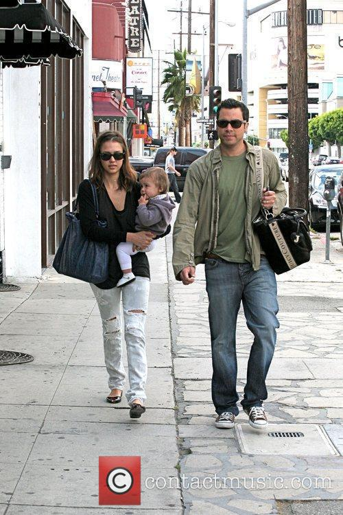 Jessica Alba, Cash Warren, Their Daughter and Honor Marie Warren 11