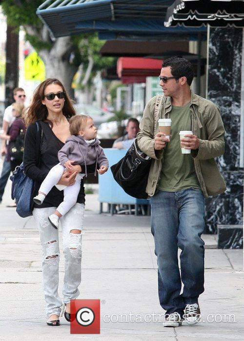 Jessica Alba, Cash Warren, Their Daughter and Honor Marie Warren 5
