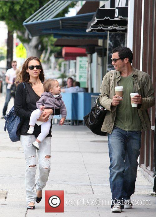 Jessica Alba, Cash Warren, Their Daughter and Honor Marie Warren 4