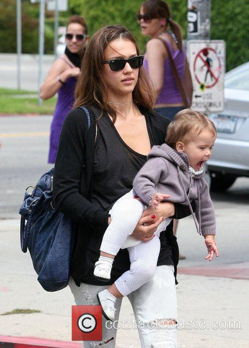 Jessica Alba, Her Daughter and Honor Marie Warren 10