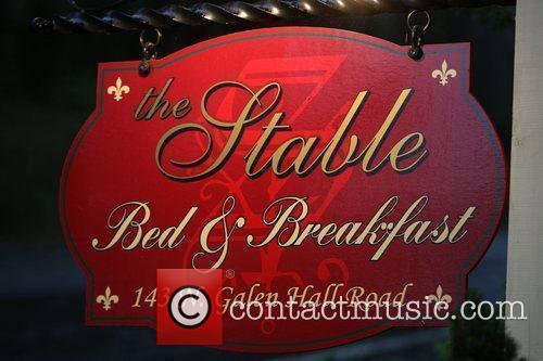 Stable Bed and Tlc 2