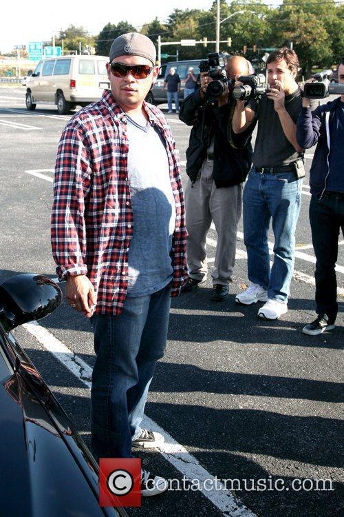 Jon Gosselin  waiting for his twin daughters...