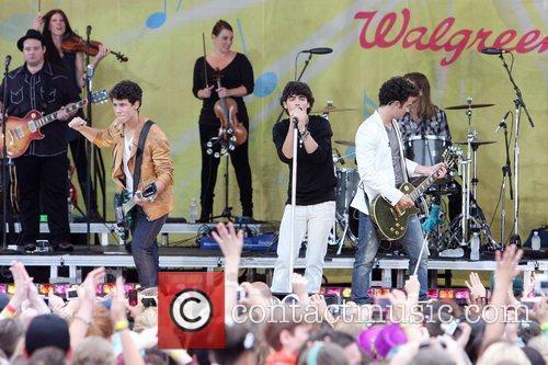 Jonas Brothers 9