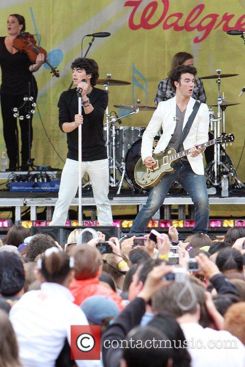 Jonas Brothers 10