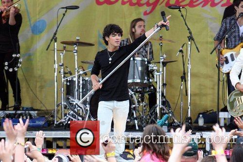Jonas Brothers 19