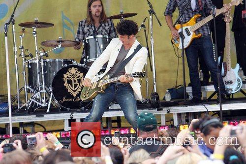 Jonas Brothers 8