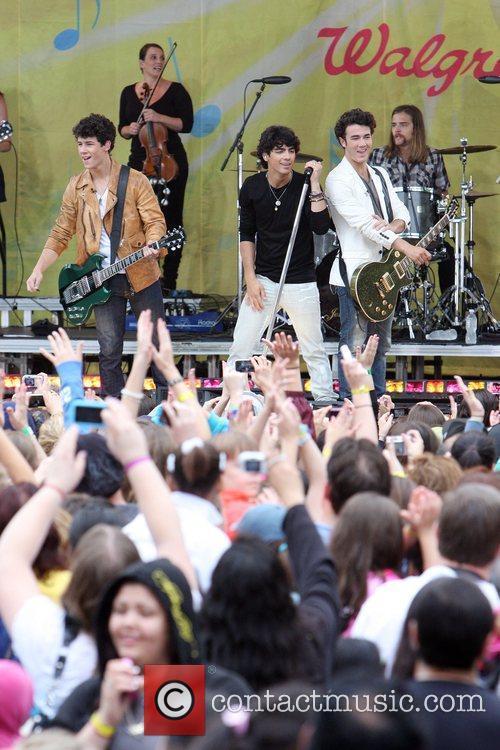 Jonas Brothers 27