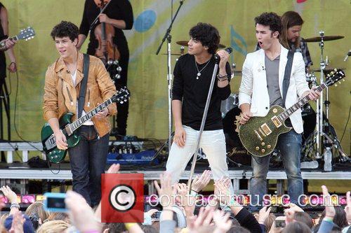Jonas Brothers 15