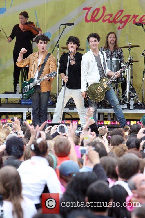 Jonas Brothers 14
