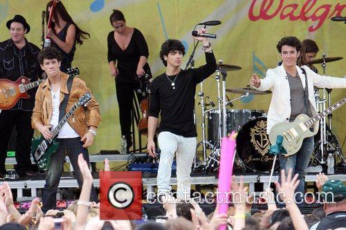 Jonas Brothers 22