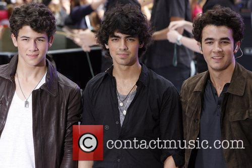 Jonas Brothers and NBC 8