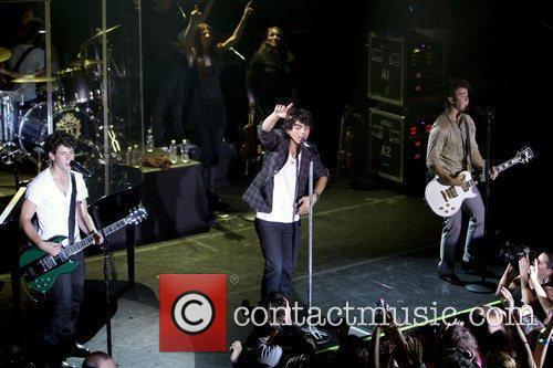 Jonas Brothers 6