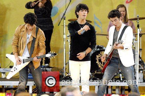 Nick Jonas, Joe Jonas and Kevin Jonas 2