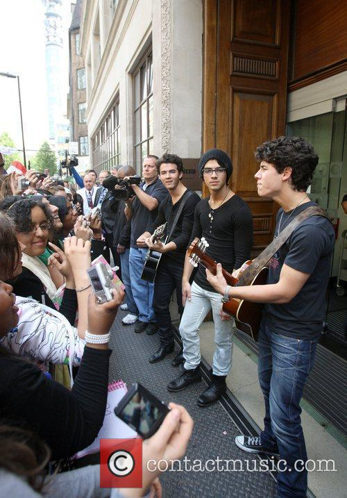 Jonas Brothers, Joe Jonas and Nick Jonas Of The Jonas Brothers Perform An Impromptu Concert 7