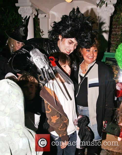 Jonathan Ross dressed as Edward Scissorhands, meets guests,...