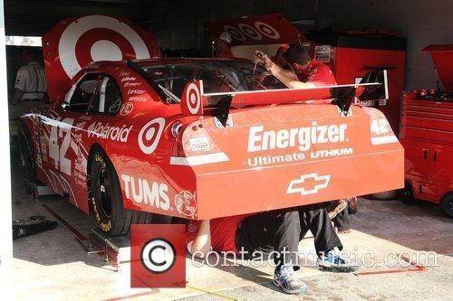 Juan Pablo Montoya's crew working on his car...